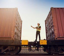 «Укрзалізниця» без конкурсу обрала компанію-монополіста з перевалки контейнерів